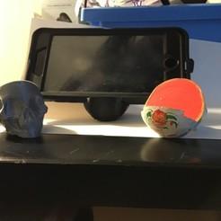 skull cellphone stand 02.jpg Télécharger fichier STL gratuit crâne support de téléphone portable • Objet imprimable en 3D, EDanielReeves