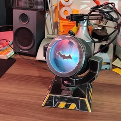 IMG_20201009_221448.jpg Download free STL file Raspberry Pi powered IoT Batsignal • 3D print template, lepetitatelierdejon