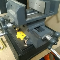 IMG_20200531_154052.jpg Download STL file Drill Press Base Compound Vice Mount • 3D printer design, Fandotec