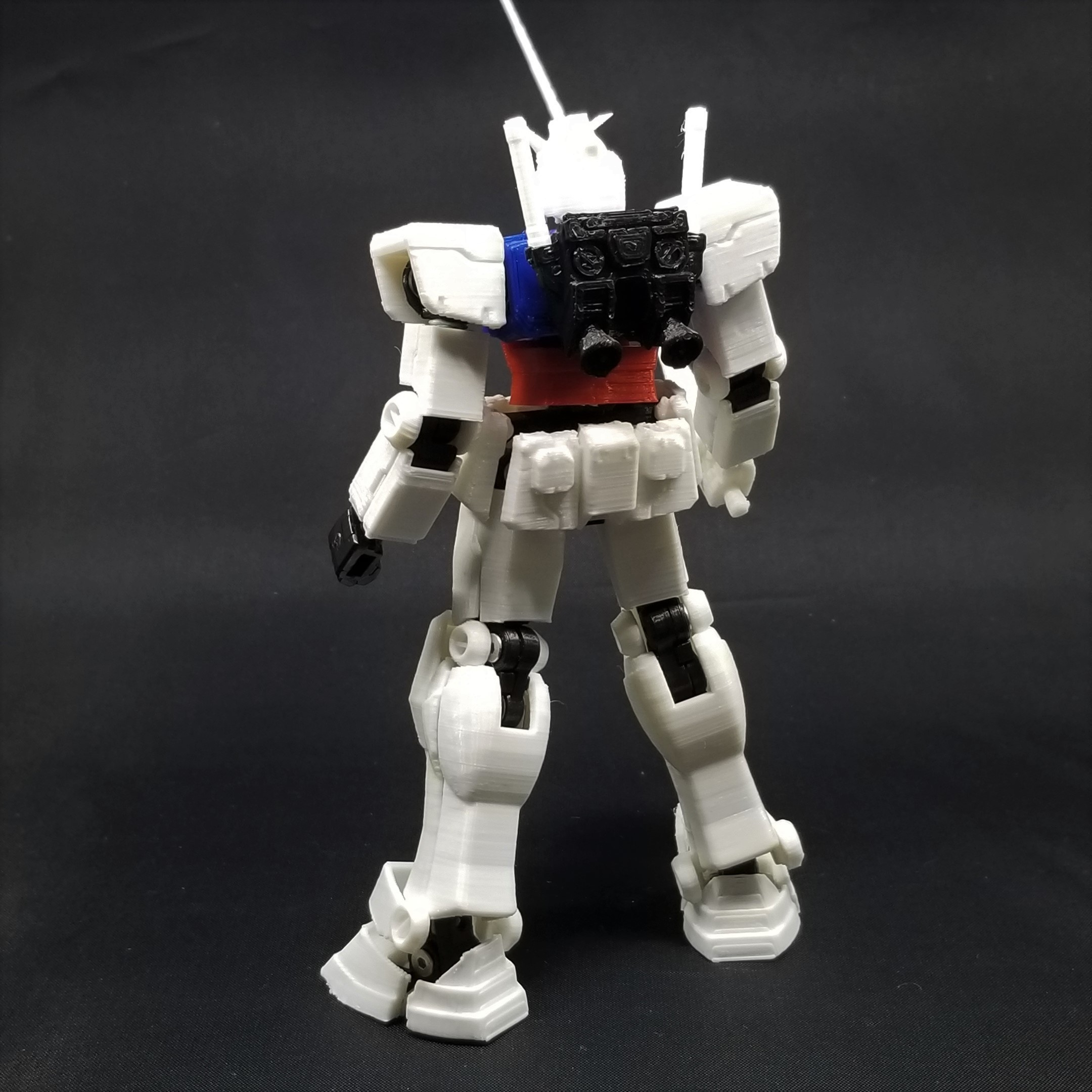 2020-11-09 22.20.27.jpg Download STL file X-Frame Armor #1 (inspired by RX-78-2 Gundam) • 3D print model, chiz-m