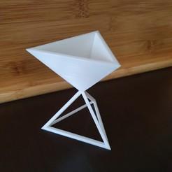 20201122_160450.jpg Télécharger fichier STL jardinière triangulaire, support de pot • Objet à imprimer en 3D, jeteur