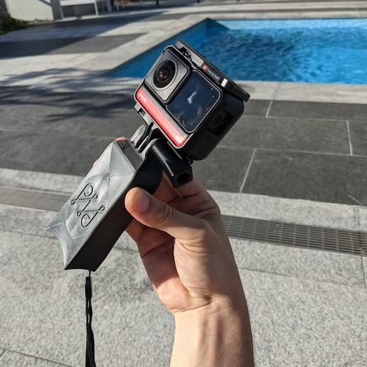 IMG_20201226_165233_728.jpg Download STL file Camera float and stand - GoPro Insta360 and more • 3D printable object, PHerault