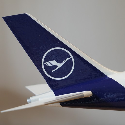 4F40BA1D-987E-430D-9DD1-58C3B58761D7.jpeg Download STL file Airbus A350 XWB Lufthansa Airliner Sacle 1/100 • Design to 3D print, BeneHill