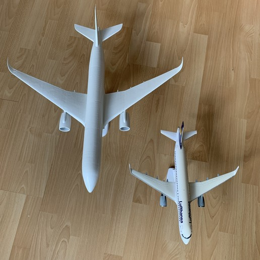 4E23FDD0-4492-4DCB-8D68-280E08D1AEFB.jpeg Download STL file Airbus A350 XWB Lufthansa Airliner Sacle 1/100 • Design to 3D print, BeneHill