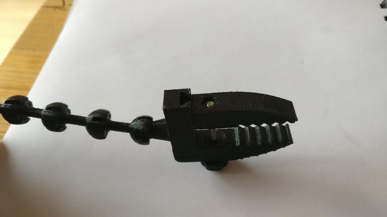 IMG_20210114_101146_1280x720.jpg Download STL file Crocodile Vise Clamps (attachment for Solder Helper Hands) • 3D printing design, benspawn
