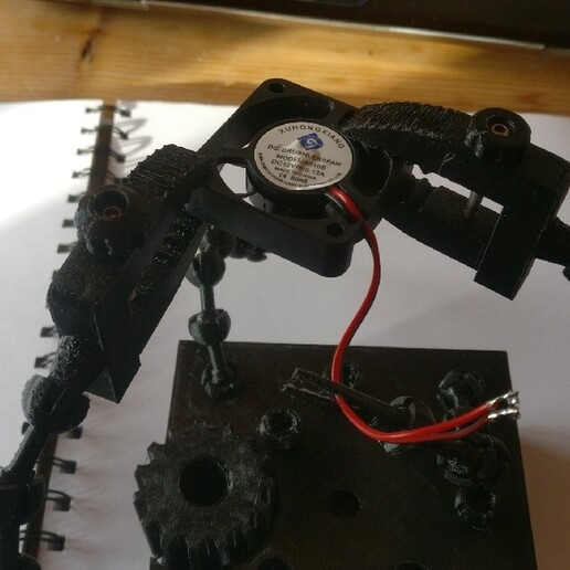 IMG_20210115_142709_1280x720.jpg Download STL file Crocodile Vise Clamps (attachment for Solder Helper Hands) • 3D printing design, benspawn