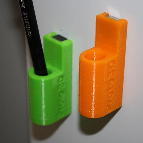 Free 3D printer file Magnet pour crayon, JJB