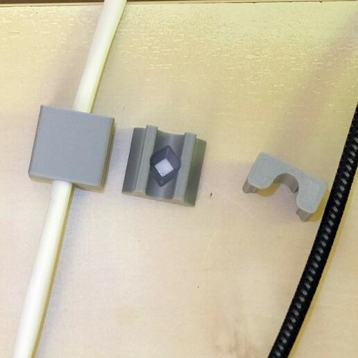 passe-cable-tamtam3d-vue-dessus.jpg Télécharger fichier STL gratuit Passe-Câble pour Bureau Assis-Debout • Modèle pour imprimante 3D, TamTam3D