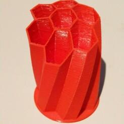 upload.jpg Télécharger fichier STL Stiftehalter Honeycomb light • Plan à imprimer en 3D, FriSpo