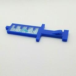 P01217-124713~2.jpg Télécharger fichier STL gratuit Pendentif seringue / Pendentif vaccin • Objet à imprimer en 3D, reutmos