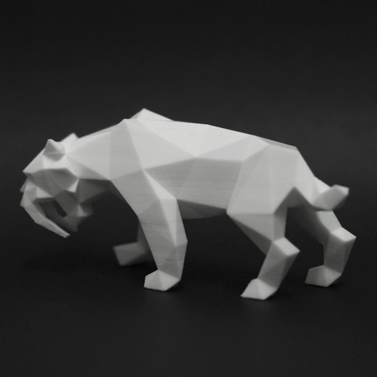 DSC_3867_2.jpg Download STL file Low Poly Saber Toothed Tiger • 3D printer model, FORMBYTE