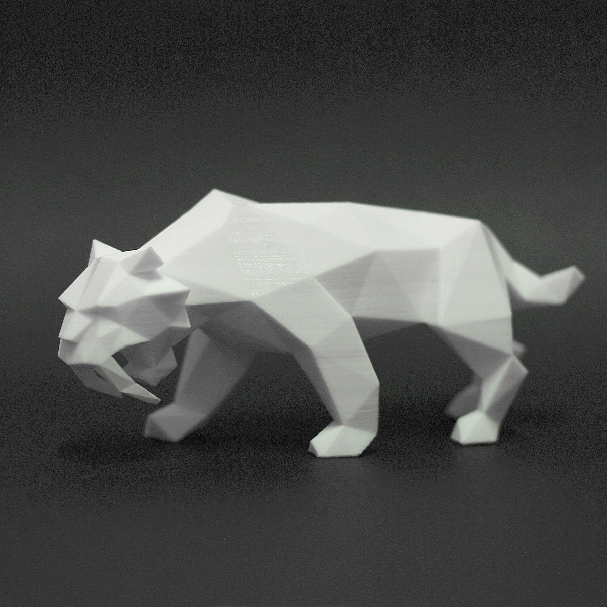 Saber Tiger 1.jpg Download STL file Low Poly Animal Collection • 3D printing template, FORMBYTE