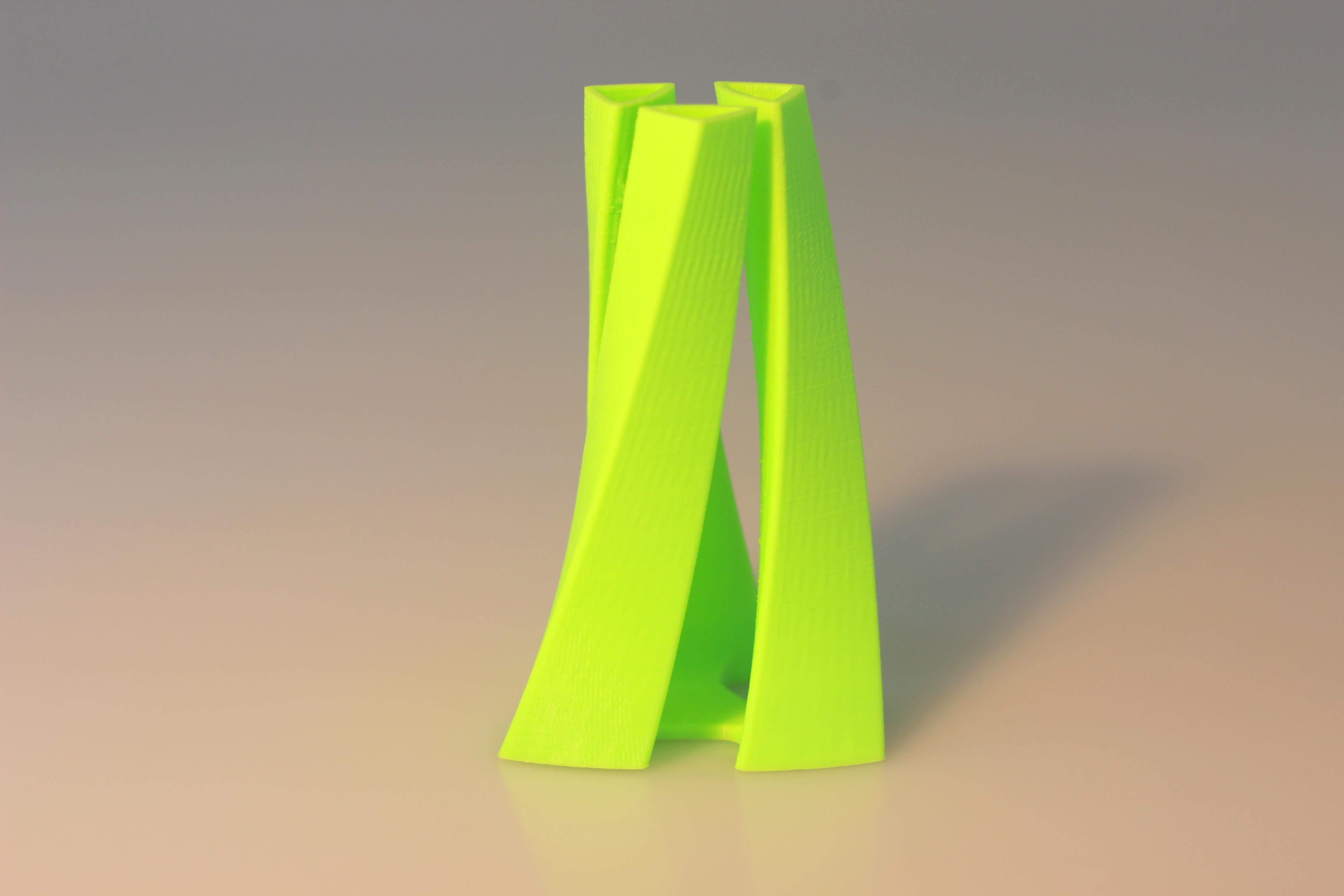 IMG_6601.JPG Download free STL file Tri-oval vase • 3D print design, BEEVERYCREATIVE