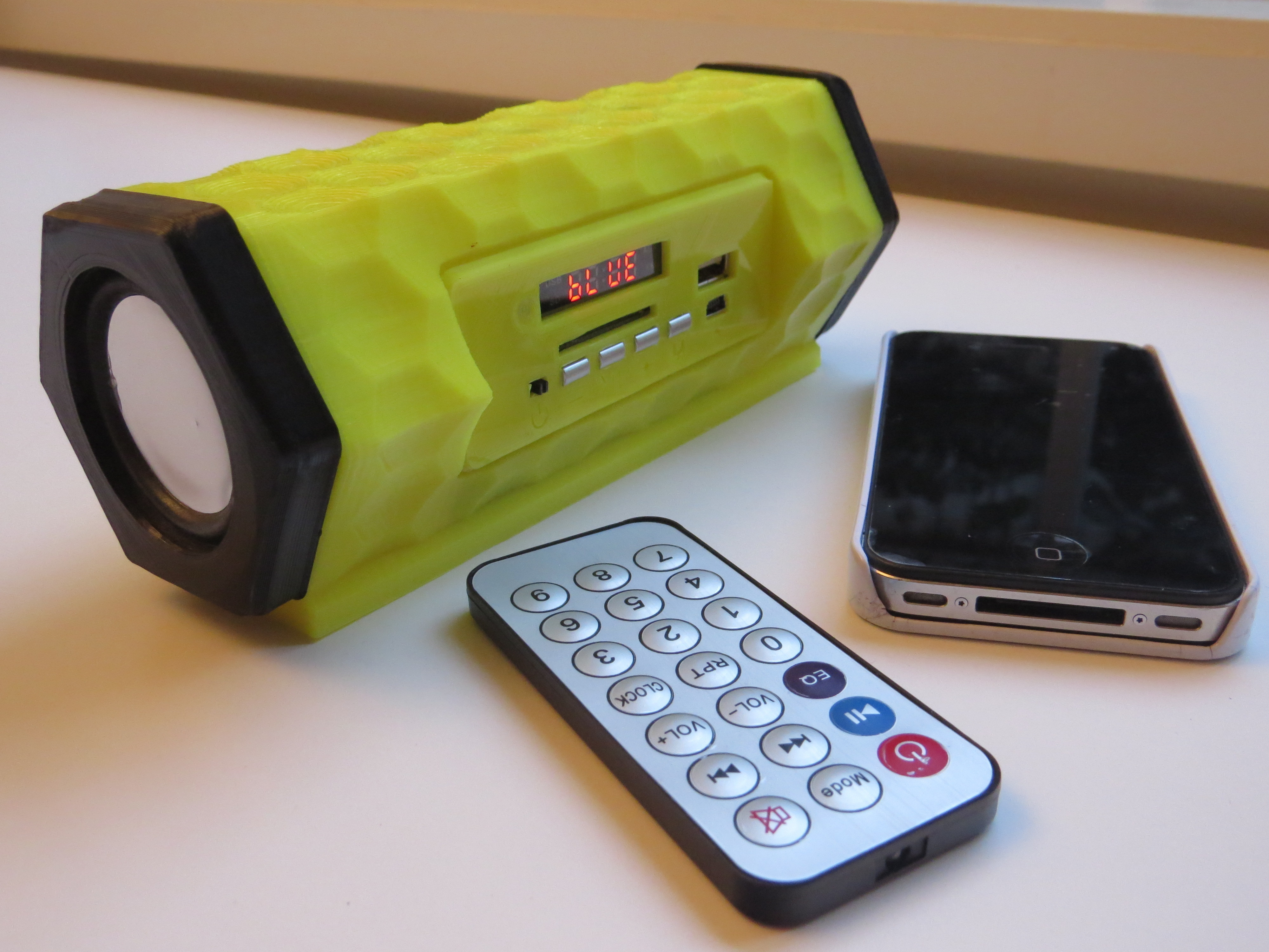 IMG_1355.JPG Télécharger fichier STL gratuit Bluetooth speaker • Modèle pour imprimante 3D, BEEVERYCREATIVE