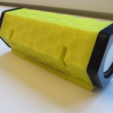 IMG_1353.JPG Télécharger fichier STL gratuit Bluetooth speaker • Modèle pour imprimante 3D, BEEVERYCREATIVE