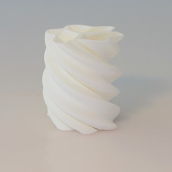 Free stl files Twisted vase, BEEVERYCREATIVE
