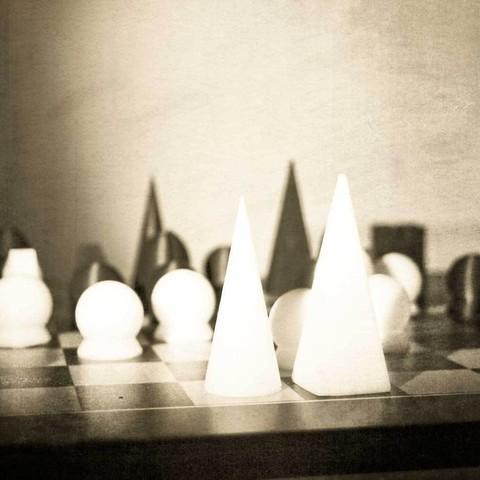 Free 3D printer model Man Ray Chess Set, sim_on