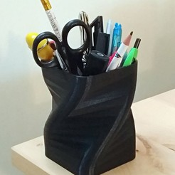 P_20190119_093838_vHDR_On.jpg Download free STL file Yet Another Pen Holder • 3D print model, MarcoAlici