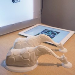 Giraffe-3D.jpg Download STL file Giraffe Themed Tablet Holder (iPad) • 3D printing template, ThePursuit