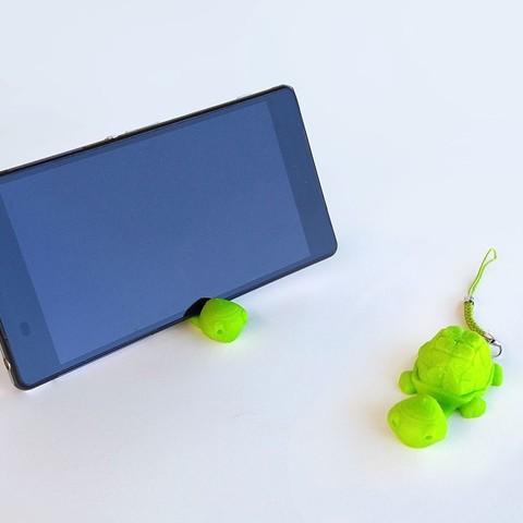 Impresiones 3D gratis Tortoise Keychain / Smartphone Stand, Shira