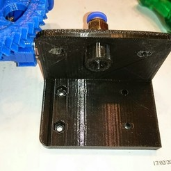 Download free 3D printing designs Jak's modification of a Bowden bracket for a Gregs or Wades extruder., JakG