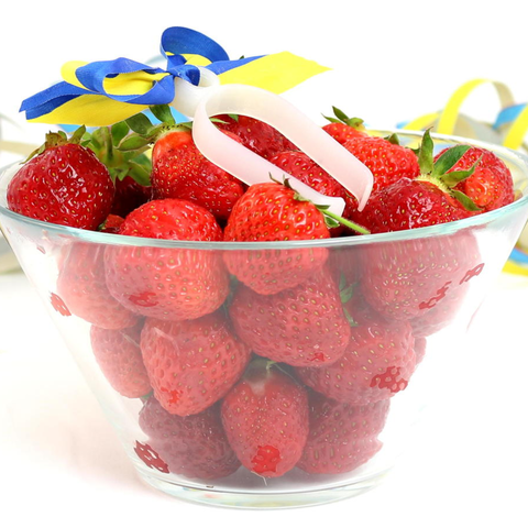 Free 3D model  Strawberry Stem Remover- Midsommar Edition, ZYYX3DPrinter