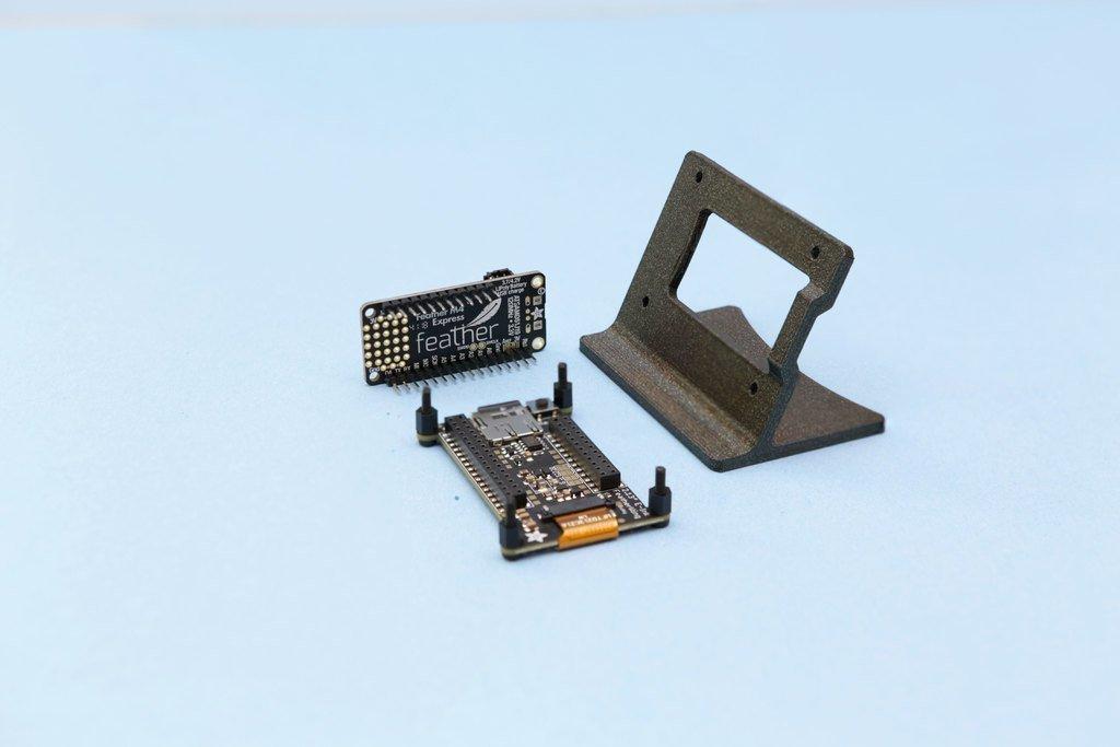 d4b71a441742714695f25f6ef226149e_display_large.jpg Télécharger fichier STL gratuit Support e-Ink FeatherWing • Design pour imprimante 3D, Adafruit