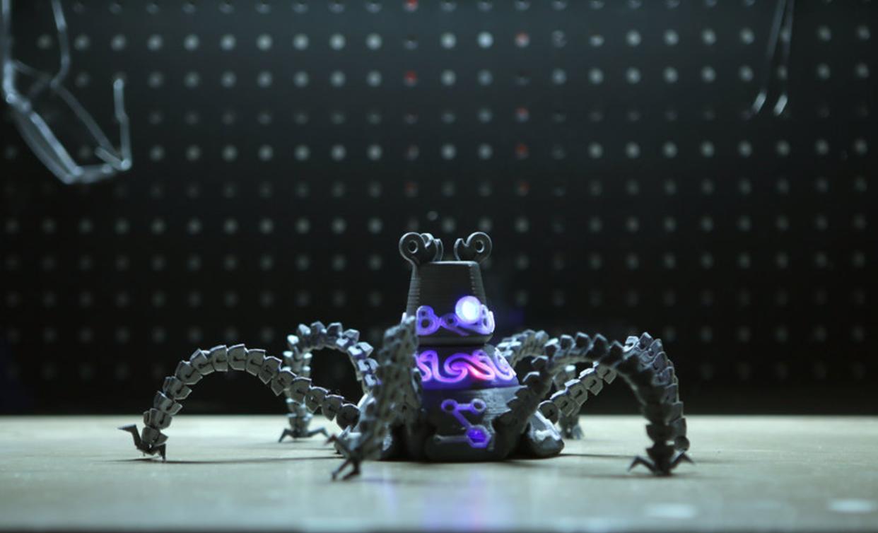 Capture d'écran 2017-07-19 à 18.58.22.png Download free STL file Guardian Robot Hackable – Bottom Remix • 3D print object, Adafruit