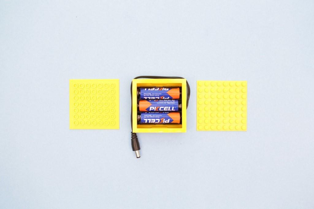 c85f0e2bca18b250fac69c1ffa8592cc_display_large.jpg Télécharger fichier STL gratuit Étui à piles compatible LEGO • Design pour imprimante 3D, Adafruit