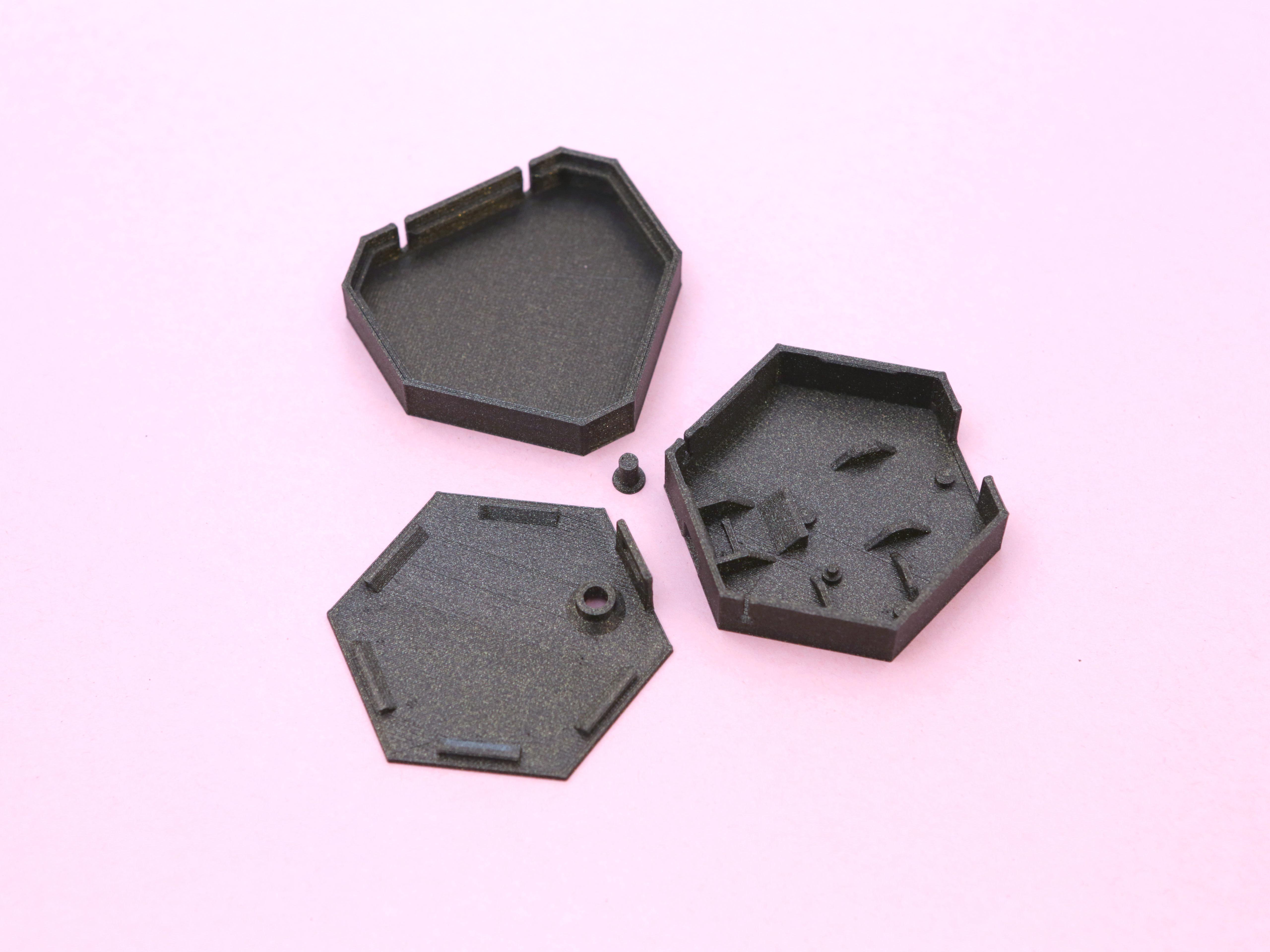 3d-parts.jpg Télécharger fichier STL gratuit Collier de coeur NeoPixel LED • Plan imprimable en 3D, Adafruit
