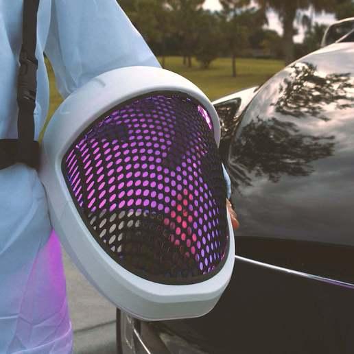 hero-hold-hood.jpg Télécharger fichier STL gratuit Visière de casque SpaceX • Objet pour impression 3D, Adafruit