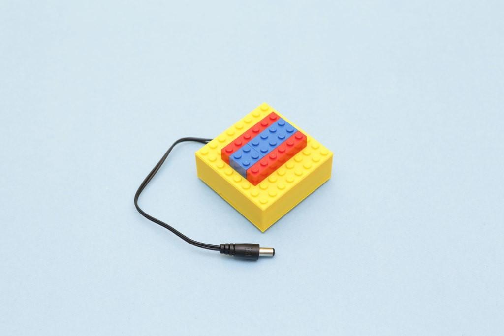 04f3890c6a9db19b0c6104870b765387_display_large.jpg Télécharger fichier STL gratuit Étui à piles compatible LEGO • Design pour imprimante 3D, Adafruit