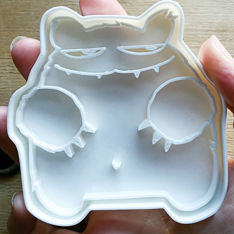 robert_grizzly02.jpg Download STL file Robert Grizzly cookie cutter • 3D printable object, melowildcat