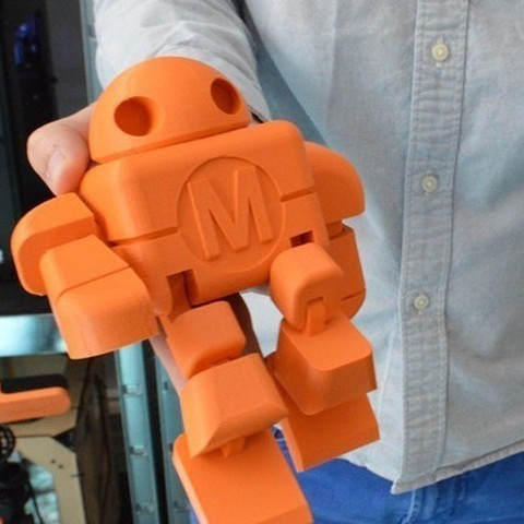 Objet 3d gratuit figurine articul e maker faire en une for Piece en 3d gratuit