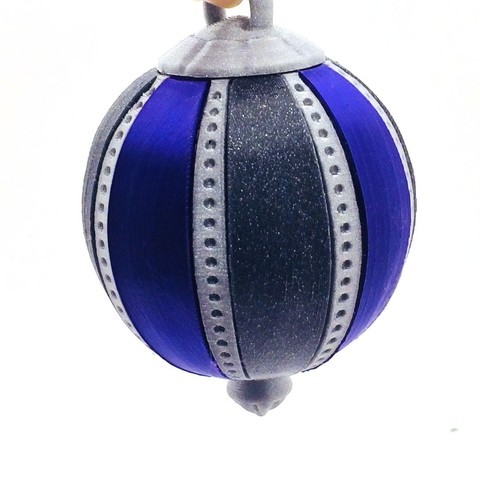 bauble1.jpg Download free STL file Christmas Tree Bauble (with secret compartment) • Template to 3D print, loubie