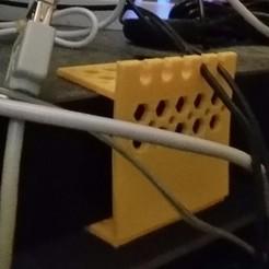 20150309_010058-1.jpg Télécharger fichier STL gratuit Mon attrape-câble personnalisé • Objet pour imprimante 3D, maverickf
