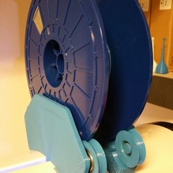 Télécharger fichier STL gratuit Robo3D Porte-bobine à montage par le haut (Roues remaniées pour roulements 608ZZ) • Plan pour impression 3D, maverickf