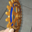 Capture d'écran 2019-11-06 à 09.51.32.png Télécharger fichier STL gratuit Symbole du Rotary International - Double extrusion • Design imprimable en 3D, abbymath