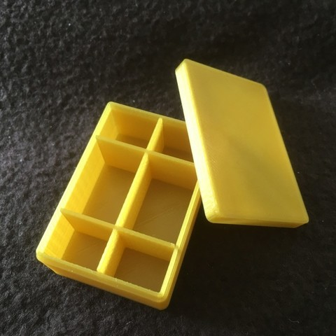 IMG_0835.JPG Download STL file Storage box for model making 50 x 35 x 20 mm with dividers annex 6 removable compartments • Template to 3D print, Almisuifre