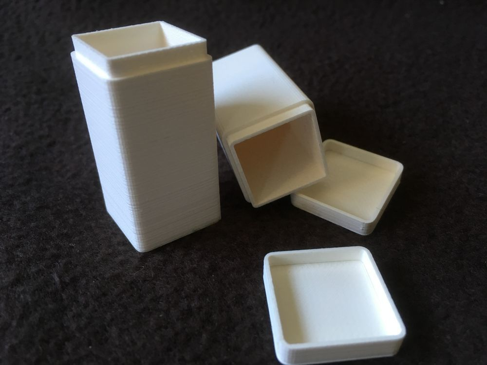 IMG_0827.JPG Download STL file Storage box for model making 20 x 20 x 40 millimetres • 3D printable design, Almisuifre