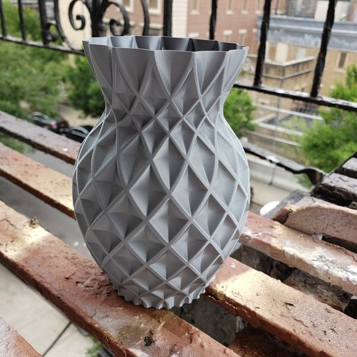 pineapple twist.jpg Download free STL file Twisted Pineapple Vase • Design to 3D print, Dsk