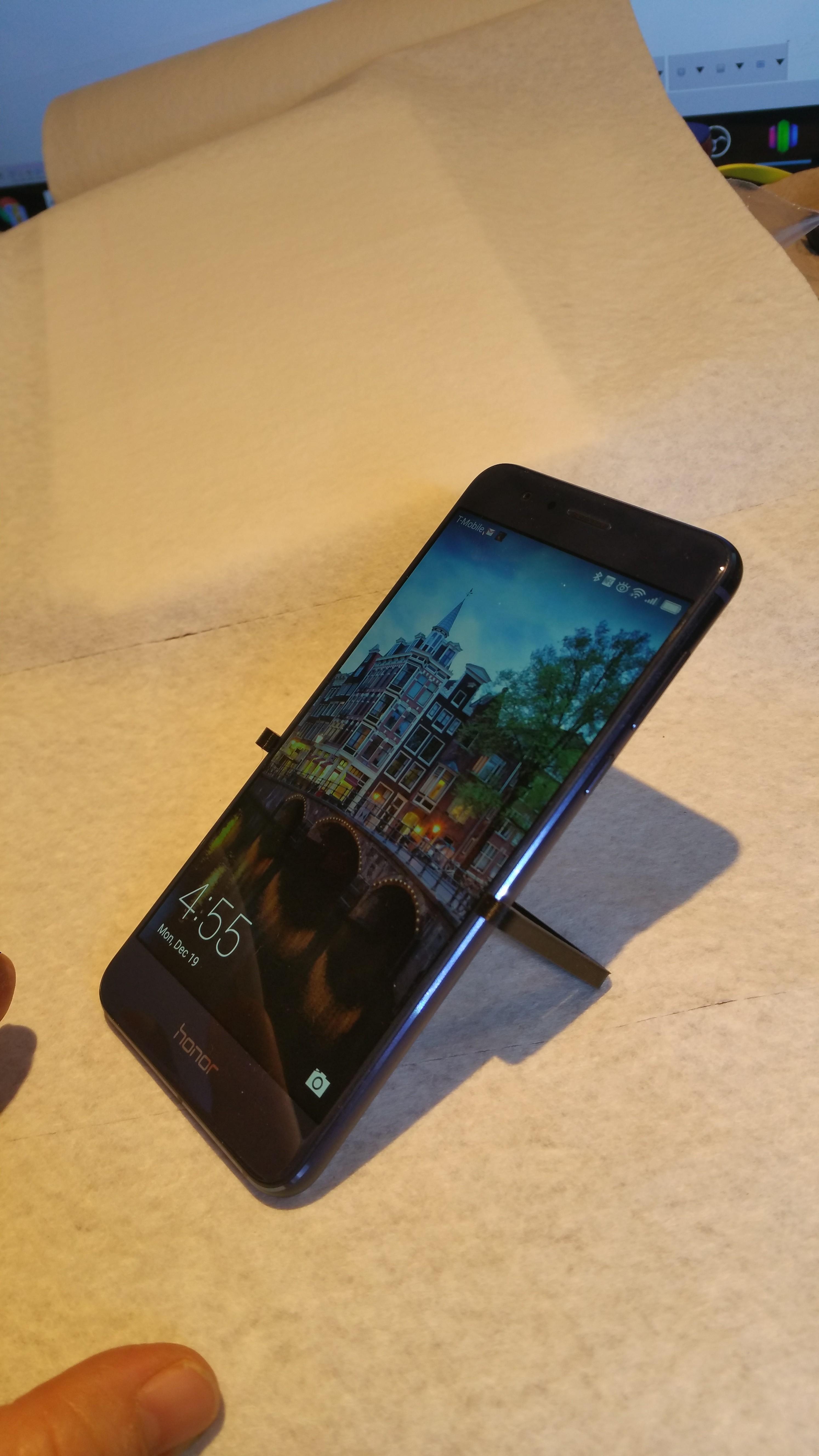 20161219_045542.jpg Download STL file Pocket Stand for Huawei Hero 8 • 3D printing template, cfishy