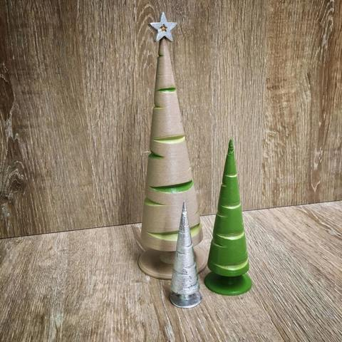 Free STL files Eccentric Turned Christmas Trees, tone001