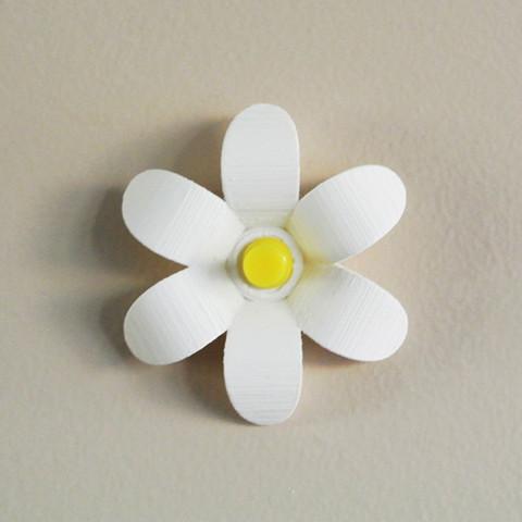 2.jpg Download free STL file Flower-shaped Push pin #1 • 3D print model, WallTosh