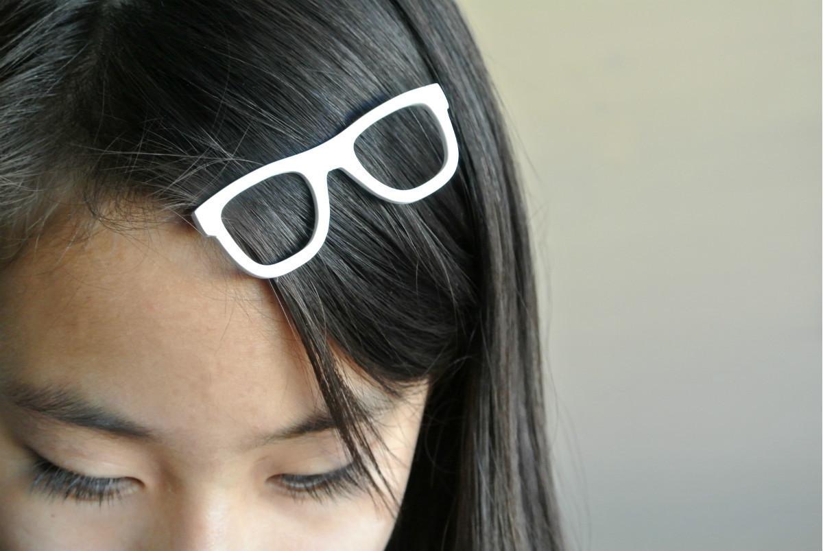 glasses01.jpg Télécharger fichier STL Pince à cheveux en forme de lunettes • Modèle à imprimer en 3D, WallTosh