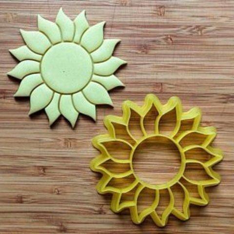 il_340x270.1473788348_i3h8.jpg Download STL file Sunflower Cookie Cutter, Sunflower cookie cutter • Model to 3D print, abauerenator