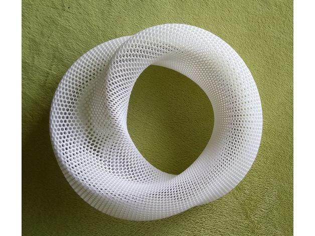 b2d0e1b4830e1d37d4fc64266a2e966a_preview_featured.jpg Download free STL file Distorted torus (hexagonal grid) • Design to 3D print, zeycus