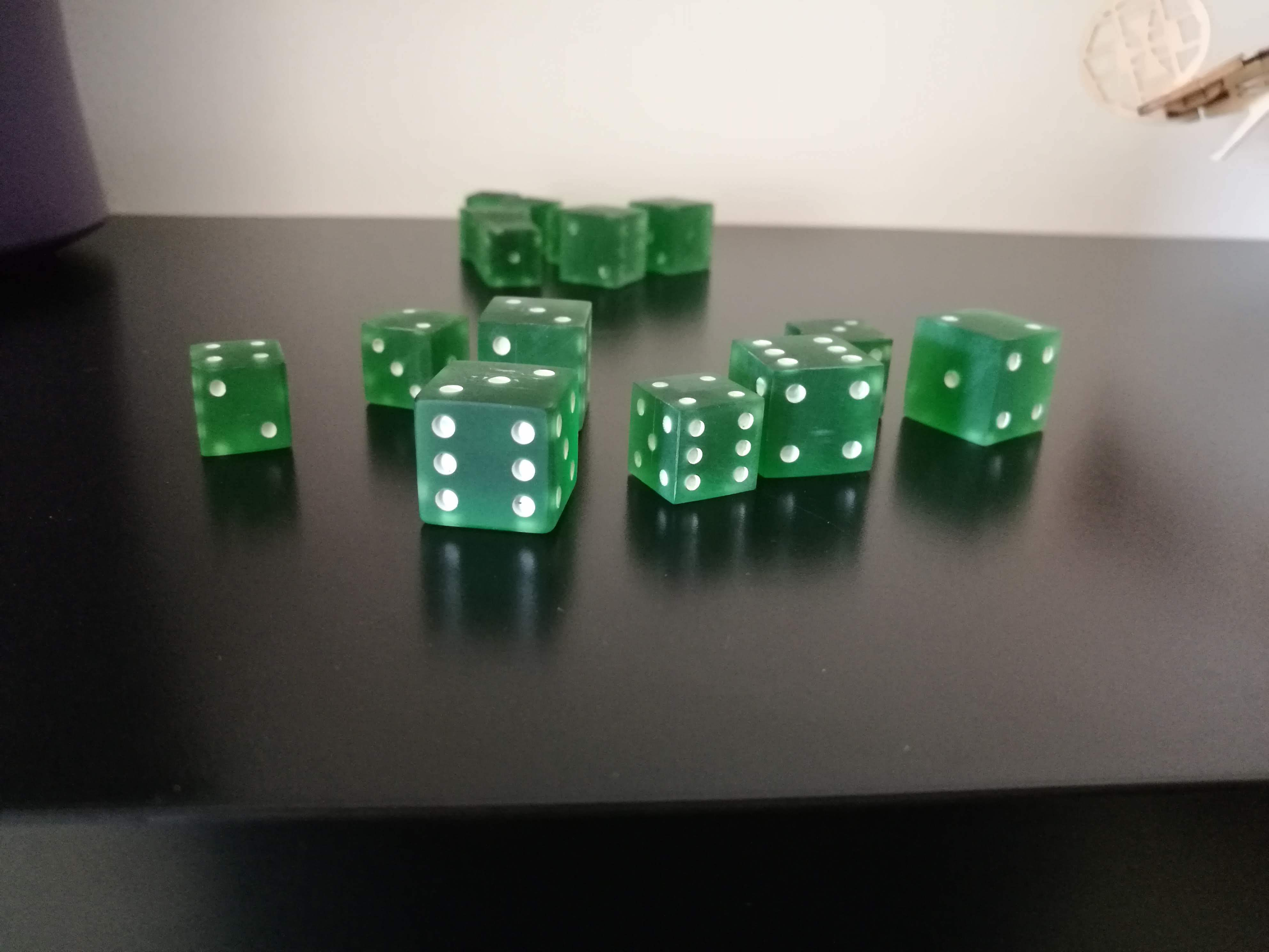 IMG_20200902_174523.jpg Download STL file PARCHEESI DICE AND POKER • Design to 3D print, chocarrat
