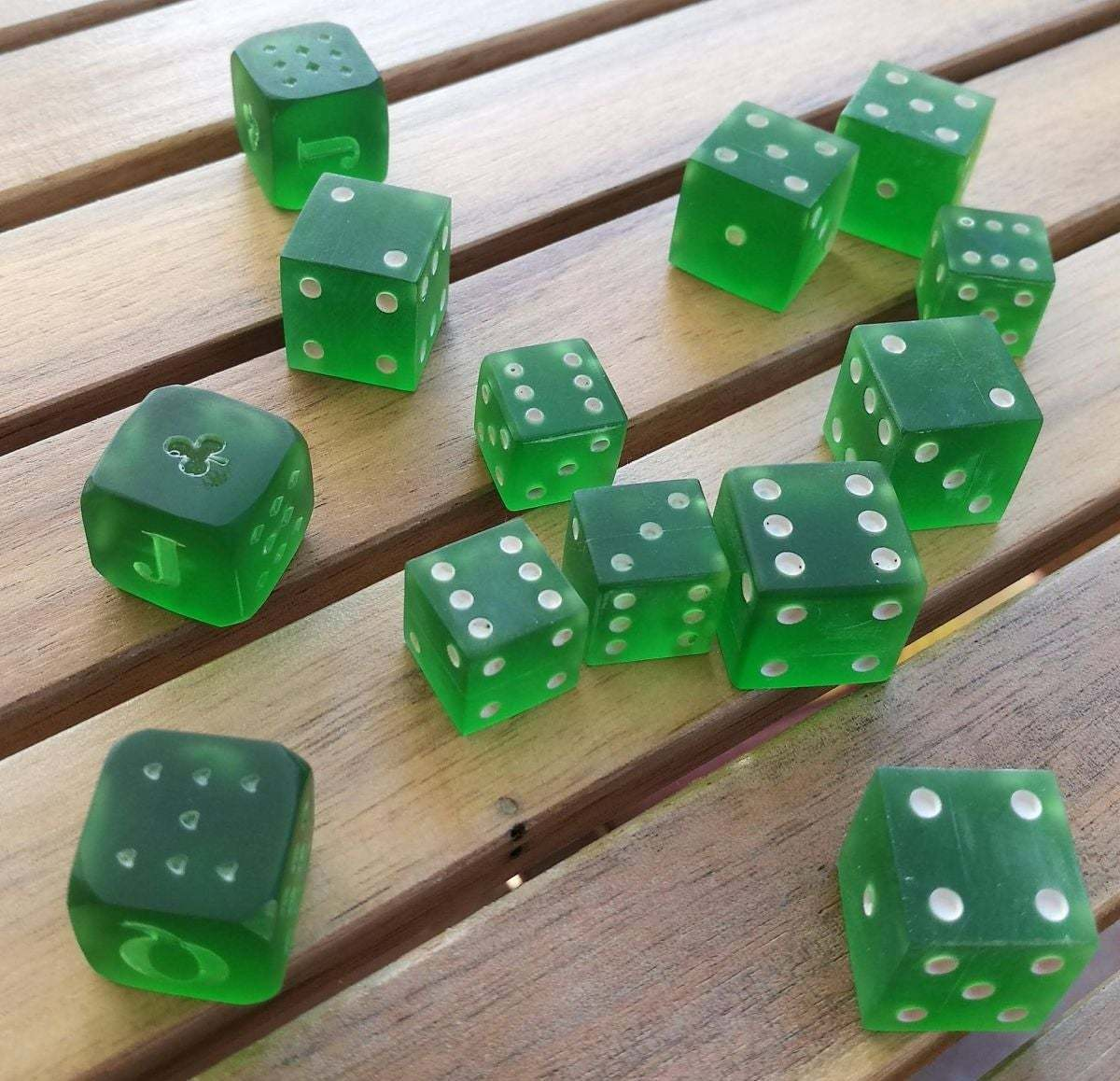 comp_opt.jpg Download STL file PARCHEESI DICE AND POKER • Design to 3D print, chocarrat