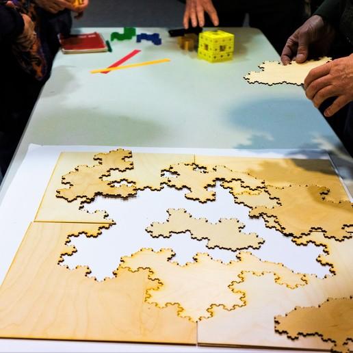 DSC01900.jpg Télécharger fichier STL gratuit [Mathematical Art/Toy][Découpe laser] Koch Snowflake Puzzle • Plan pour impression 3D, Kay